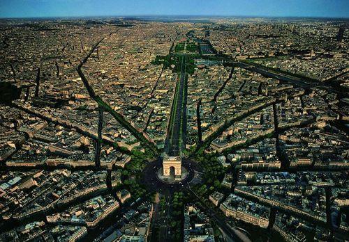 Balade au dessus de Paris yb