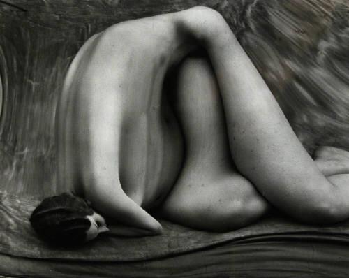 Andre_kertesz_distortion_147_1933
